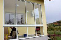 balkonverglasung_oben_schiebeelement_unten_fest